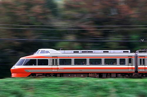 2001810082